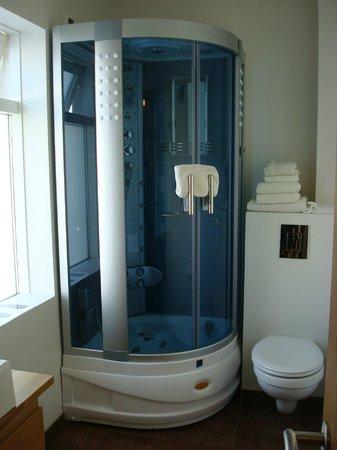 Lighthouse Apartments : Bathroom