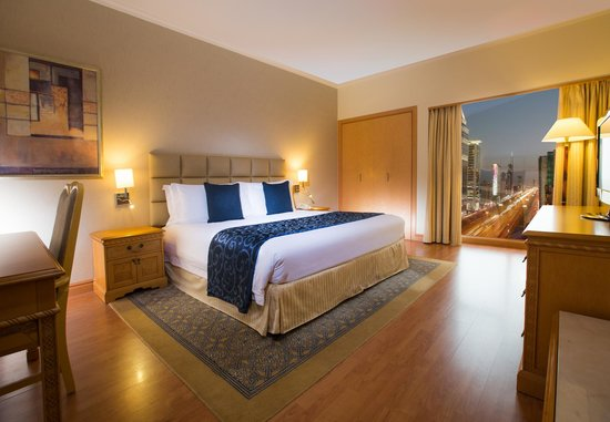 Crowne Plaza Dubai: feel at ease in our spacious King size guest rooms