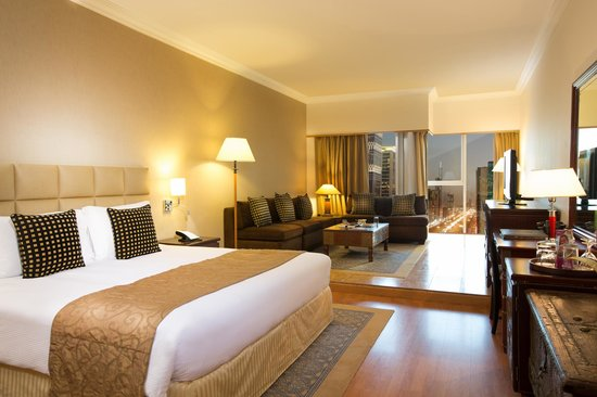 Crowne Plaza Dubai Relax In Our Newly Refurbished Studio Overlooking Sheikh Zayed