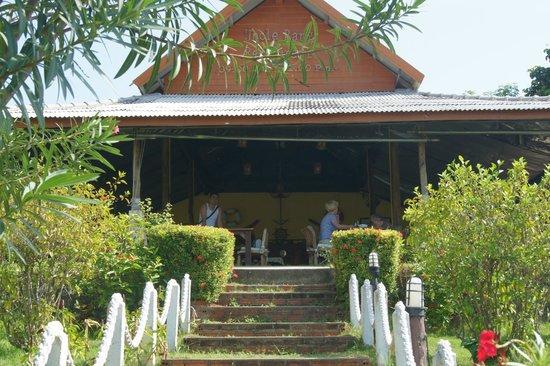 Samui Tonggad Resort: место для завтрака и рисэпшн в одном месте