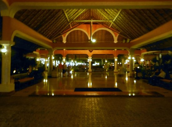 Grand Palladium Riviera Resort & Spa : Lobby