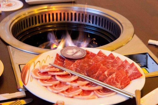 Bulgogi-Haus: echter Holzkohlegrill / we use real charcoal #koreanbbq #charcoal #Holzkohle #koreanrestaurant