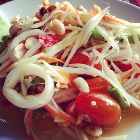 KoDam Kitchen : papaya seafood salad