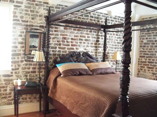 Joseph Aiken Mansion Carriage House: Bedroom