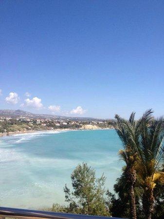 SENTIDO Thalassa Coral Bay : vue de la piscine sur la plage