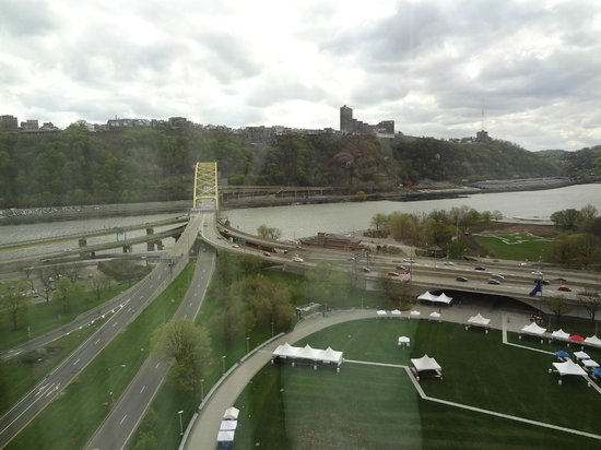 Wyndham Grand Pittsburgh Downtown: View from hotel