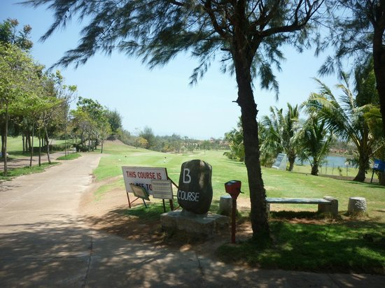 Paradise Resort Golf Club: Looks like fun