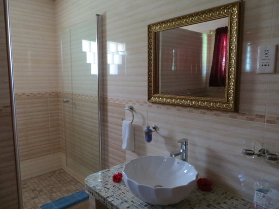 Etoile Labrine: salle bain