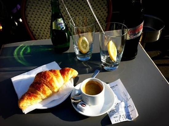 Le Flandrin : 22 € für Kaffee, Croissant, Coke und Perrier