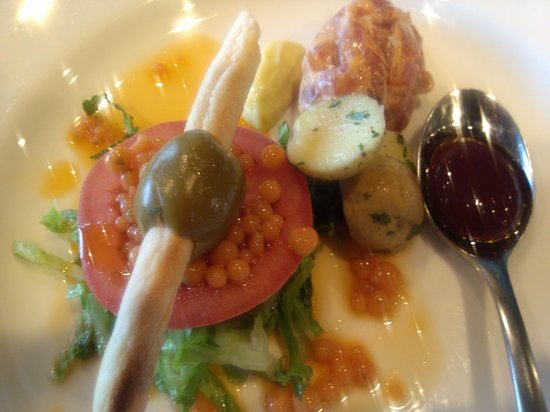 The Vine Restaurant: modern salad Nicoise