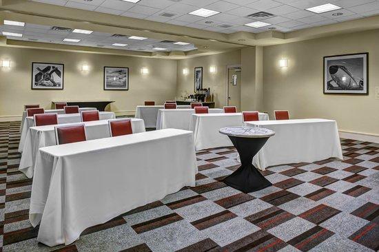 Four Points Huntsville Airport: Grand Salon