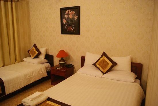 โรงแรมลวนวู: Our family / triple room..