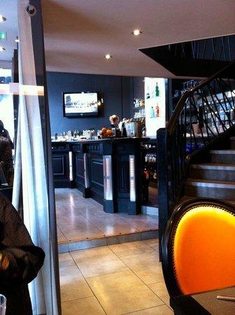 La Place: Inside at street level