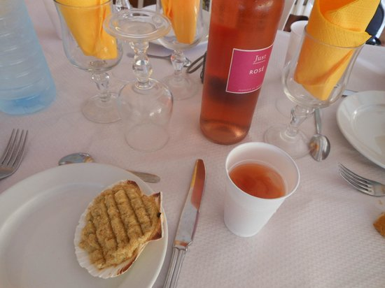 Hotel Kanaoa Les Saintes: Coquille de poissons
