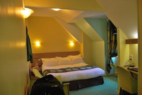 Comfort Hotel Cathédrale Lisieux : Room