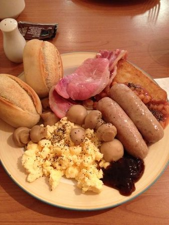 Days Hotel London- Waterloo: full English breakfast in the hotel