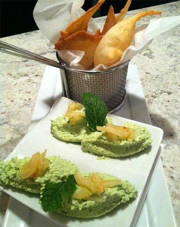 Coastal Bistro & Bar: Edamame Hummus