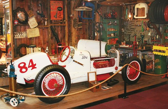 Museum of American Speed: 1929 Garage