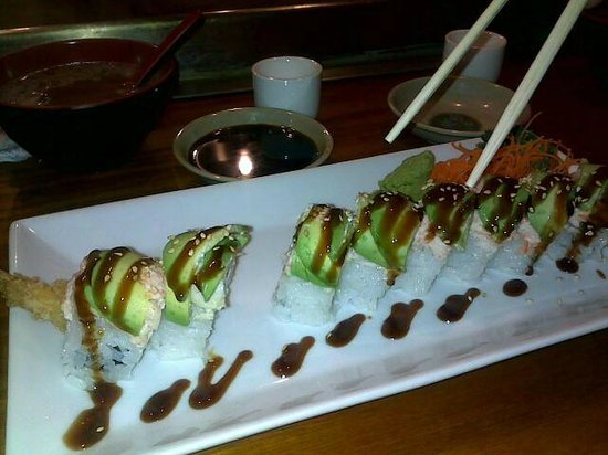 Sake Cafe: OMG Dragon Special Rolls are the best!