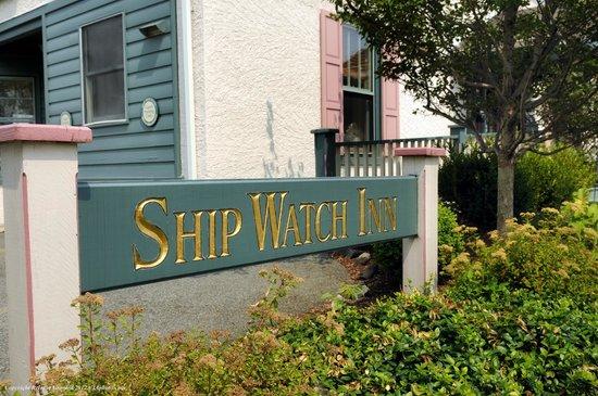 Ship Watch Inn: Signage