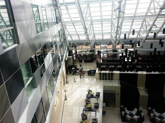 Oryx Rotana Doha: Lobby view from Lift