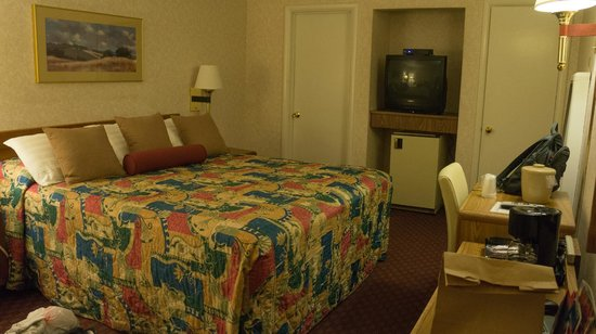 Town House Motel : Kingsize bedroom