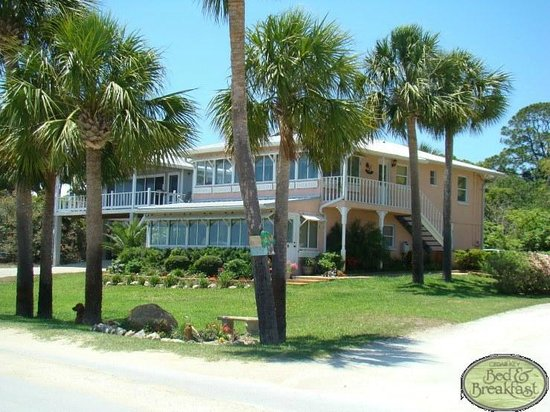 Cedar Key Bed and Breakfast: The Sunrise Suite 1 or 2 Bedrooms Available Cedar Key Bed & Breakfast