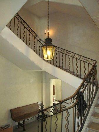 Avignon Musée Angladon : Staircase