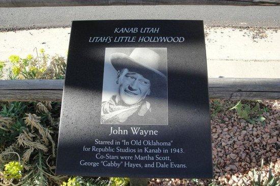 Calvin T's Smoking Gun BBQ: Walk of Fame