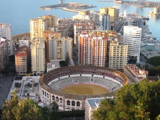 Parador de Malaga Gibralfaro: View of Malaga