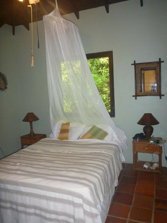 Villa Pomme d'Amour: one of the bedrooms in upper apartment