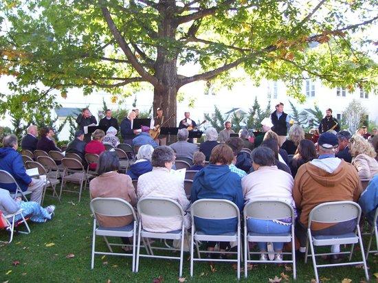 Camden, ME: Outdoor Worship Service