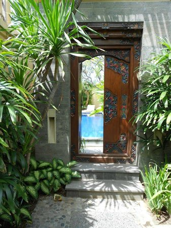 Arman Villas Seminyak : Entrance to the villa