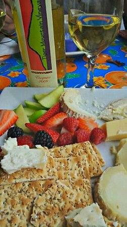 Fromage & Other Fine Foods : cheese plate with local wine