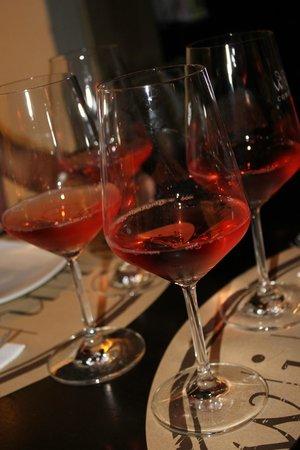 Wine Connection Deli & Bistro: Rose'