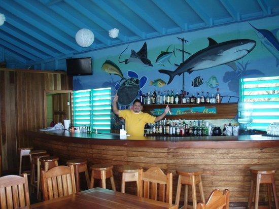 Tranquility Bay Resort : Bar staff