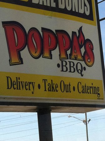 Poppa's BBQ: Sign out front