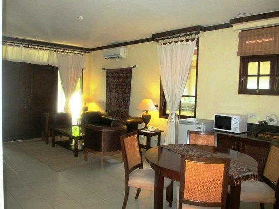 The Tanjung Benoa Beach Resort Bali: Livingroom