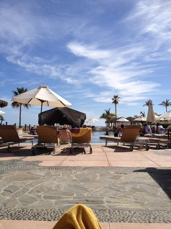 Solmar Resort: Poolside view in the shade