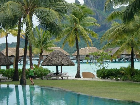 Four Seasons Resort Bora Bora: view from pool area showing bungalows and mont otemanu