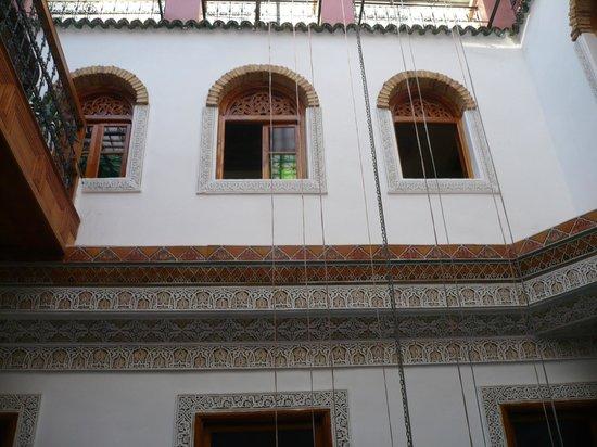 Riad Verus : View into the patio