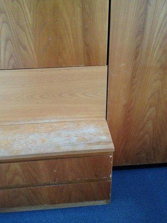 Hotel Kronenhof: detail of cabinet