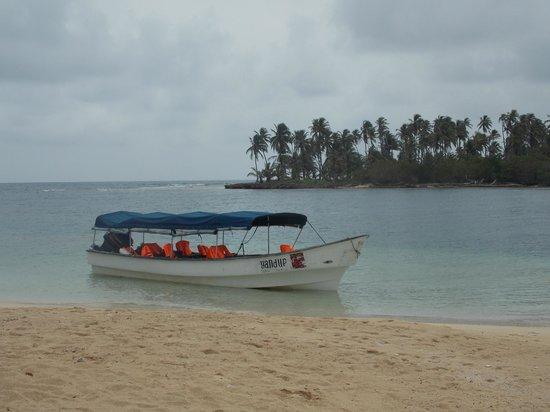 Yandup Island Lodge: lancha