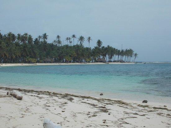 Yandup Island Lodge: playa