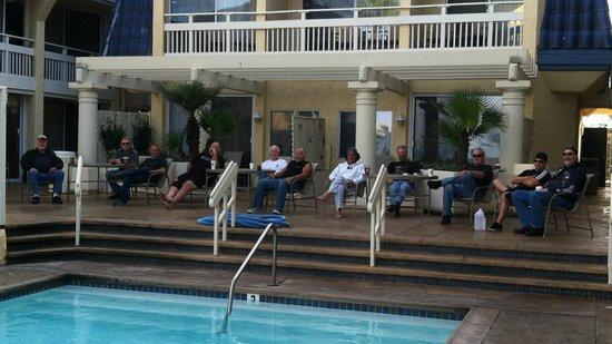 Blue Sea Beach Hotel: pool area