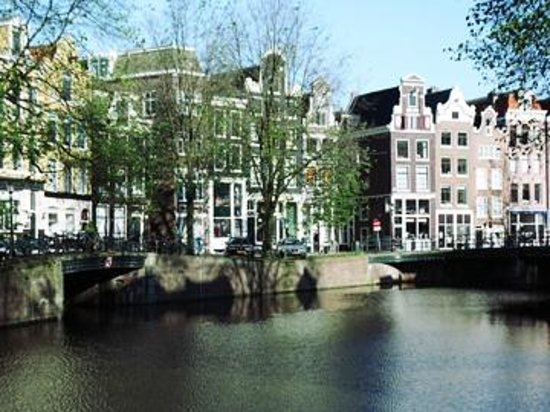 Boutique B&B Kamer01: Singel Canal with B&B at Daytime
