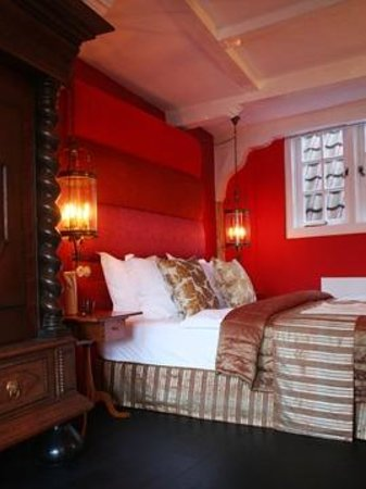 Boutique B&B Kamer01: Red Room Sleeping Area