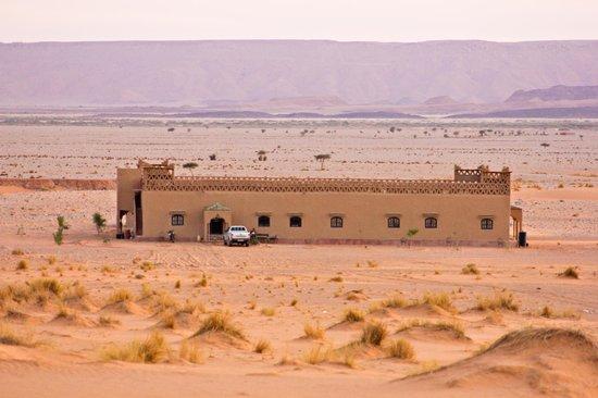 Kasbah Ramlia: Hotel desde arriba de la duna