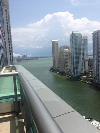 JW Marriott Marquis Miami: view from the pool area