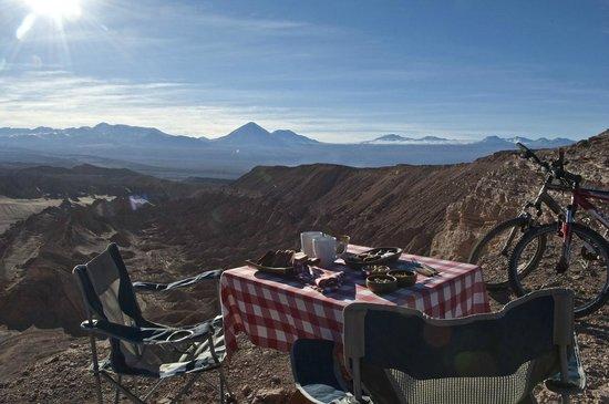 Awasi Atacama - Relais & Chateaux: Lunch in the desert